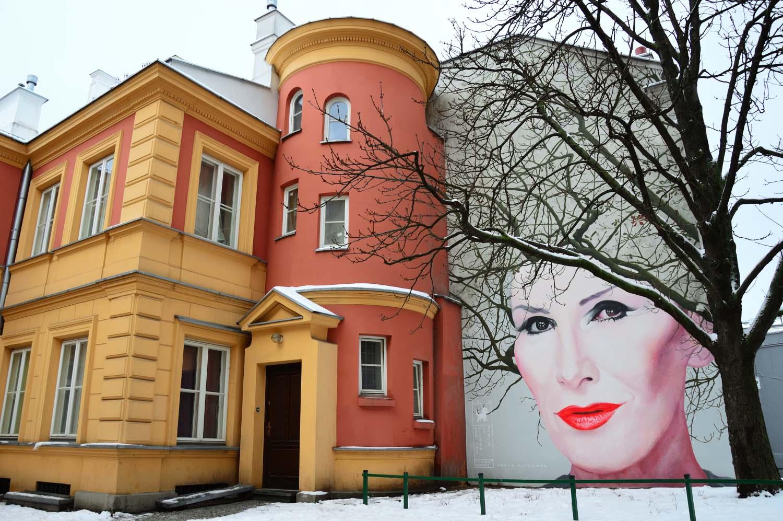 Nowy Mural W Warszawie Upamietniajacy Kore Przewodnik Warszawski